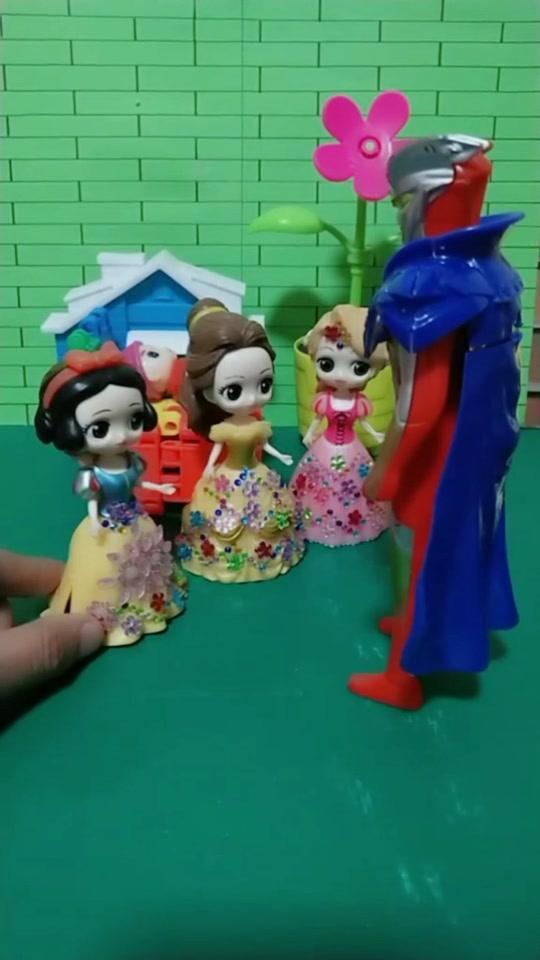 白雪公主手办可换装换衣美人鱼贝儿灰姑娘爱丽丝儿童玩具摆件礼物
